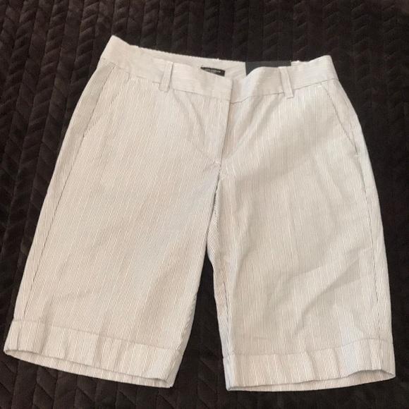 Ann Taylor Pants - Dress shorts